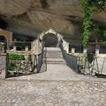 Entrada al Santuario (La Cueva)